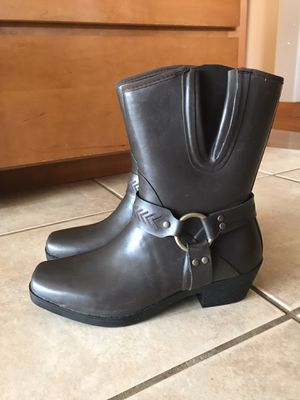 New Women's Bogs Rain Boots - 8 for Sale in Orting, WA