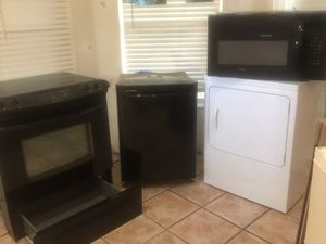 Appliance package (3 pieces) Range, dishwasher and microwave for Sale in FL, US
