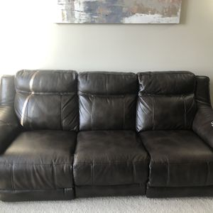 Power Recliner Couch for Sale in Gaithersburg, MD