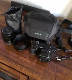 Sony A6300 mirrorless camera + lenses for Sale in Fremont,  CA