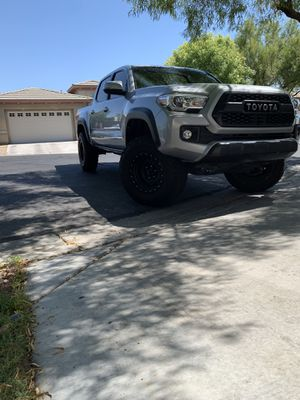 2016 tacoma trd off road 4x4 LOADED for Sale in Las Vegas, NV