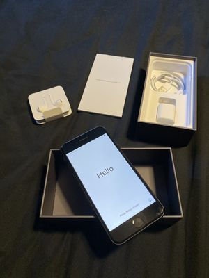 iPhone 8 64gb at&t used but excellent condition for Sale in Hayward, CA