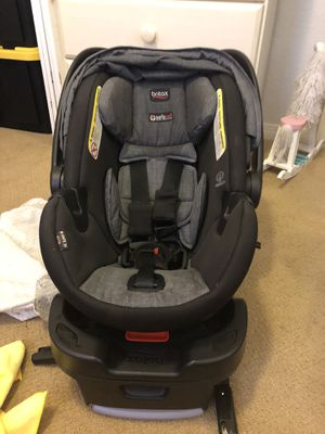 Britax Infant Car Seat with 2 Bases for Sale in Coachella, CA