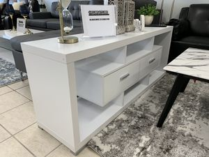 White 60 Inch TV Stand for Sale in North Richland Hills, TX