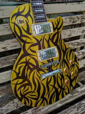 Agile 2000 gold top Les Paul custom design for Sale in Glendale, AZ