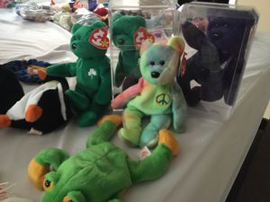 Around 100 beanie babies dated 1997 and older for Sale in Nashville, TN