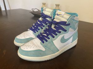 """Jordan 1 Retro High OG """"Turbo Green"""" size 10.5 excellent condition for Sale in Los Angeles, CA"""