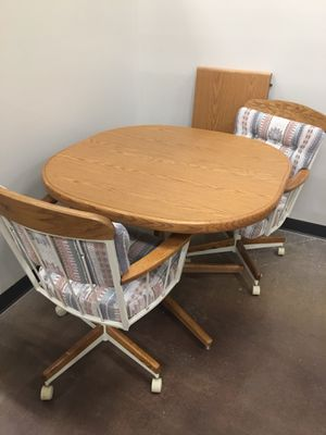 Table w/2 chairs for Sale in Apache Junction, AZ