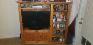 TV armoire for Sale in Myrtle Beach, SC