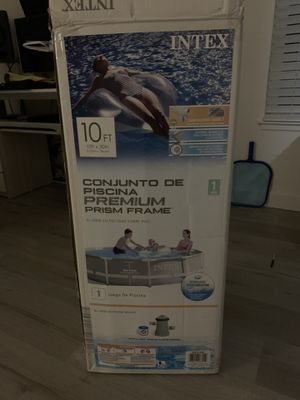 Intex 10 Feet x 30 Inches Prism Frame Above-Ground Swimming Pool for Sale in Union City, CA