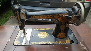 Antique SINGER sewing machine for Sale in Portsmouth, VA