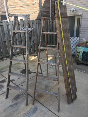 2 6ft ladders and a wooden expansion scaffold for Sale in Chicago, IL