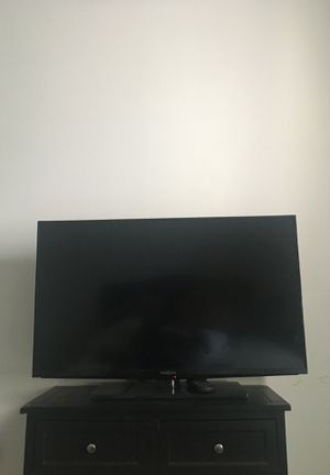 40 Inch Insignia Flat TV for Sale in Gibsonton, FL