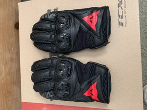 dainese gloves size medium for Sale in Fallbrook, CA