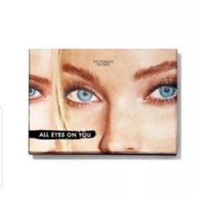 Victoria's secret eyeshadow pallet for Sale in New Brunswick, NJ