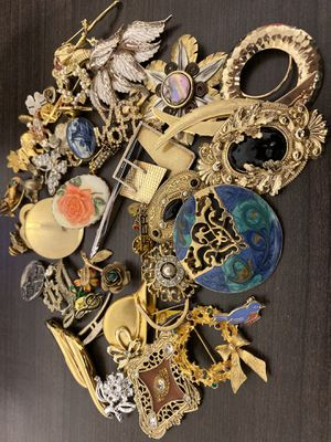 Vintage brooches and pin for Sale in Plano, TX