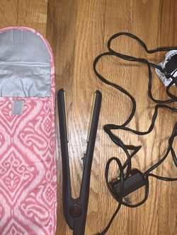 CHI Hair Straightener & Heat protector sleeve for Sale in Waltham,  MA