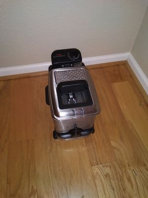 Cuisinart deep fryer for Sale in Virginia Beach, VA