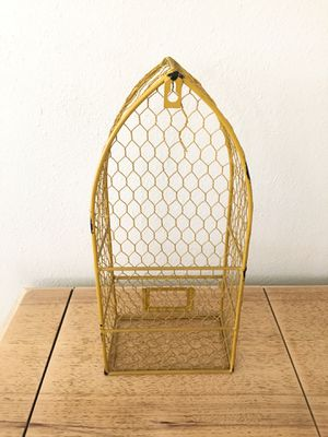 Yellow wire boat shape hanging shelf from Old Time Pottery for Sale in Palm Harbor, FL