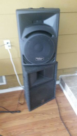 Podium pro audio and. Bull frog set of4 for Sale in Gastonia, NC