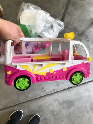 $10 bag of toys a lot of shopkins parts for Sale in Herriman, UT