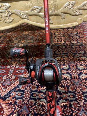 Lew's Fire Carbon Baitcasting Combo (Does not come with line) for Sale in Springfield, VA