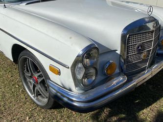 1970 Mercedes Benz 280 Se RUNS AND DRIVES for Sale in Humble,  TX