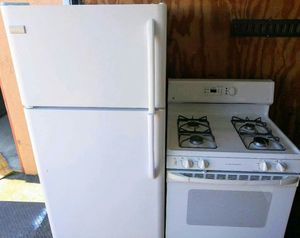Combo top - Freezer Refrigerator and gas stove for Sale in Oakland, CA