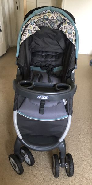 Graco stroller + car seat with base for Sale in Clifton Heights, PA