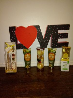 Women's Valentine's Simple Pleasures + Dove for Sale in Cincinnati, OH