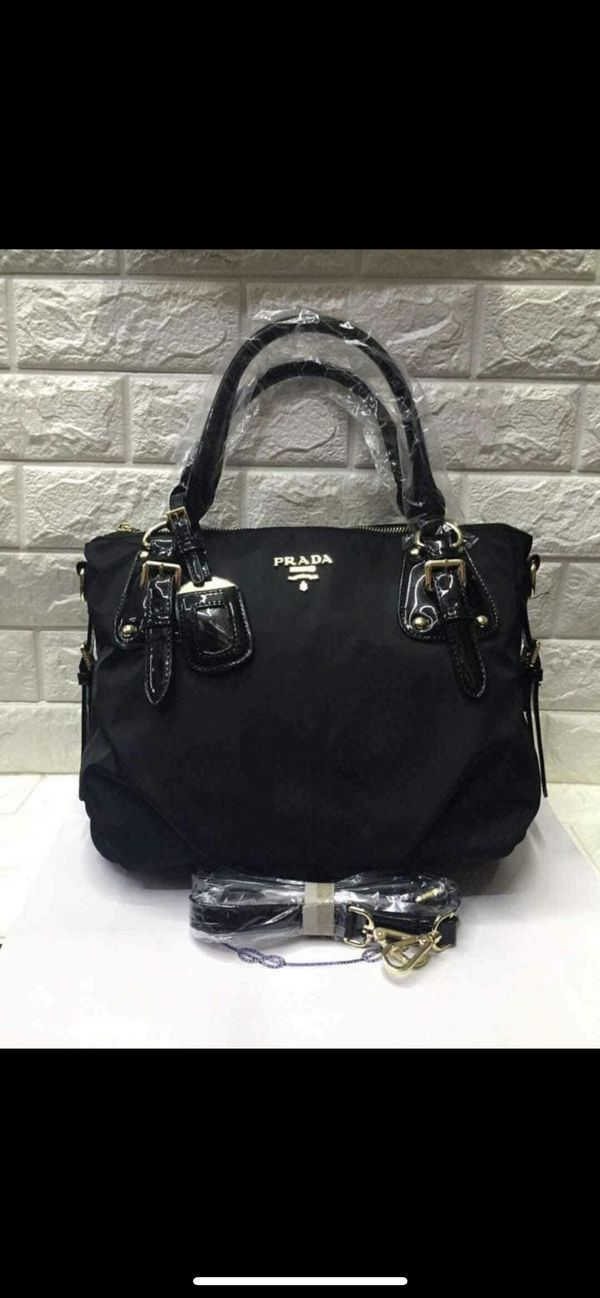 Hand bag or sling body bag