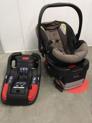 "Newborn/toddler ""Britax"" car seat for Sale in Redwood City, CA"