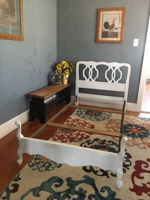 Twin size bed for Sale in Reidsville, NC