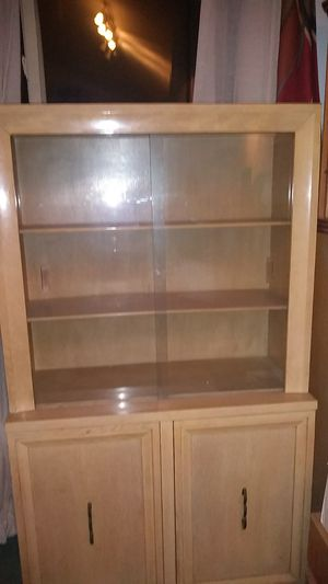 Oak hutch/China cabinet for Sale in Albrightsville, PA