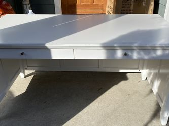 White Large Desk, Office Desk for Sale in Kirkland,  WA