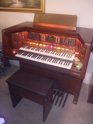 Lowery mx-2 electric organ for Sale in Kissimmee, FL