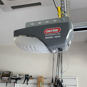Genie 4024 Professional Line Garage Door Opener for Sale in Queen Creek, AZ