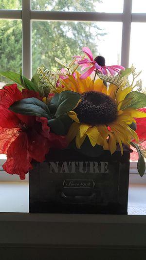 Rustic Flower Decor Centerpiece for Sale in Lawrenceville, GA