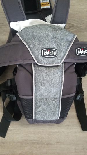 Chicco carrier for Sale in Everett, WA