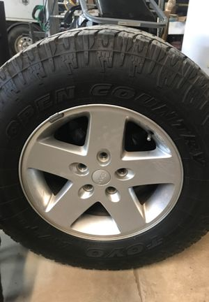 Jeep wheels and tires Lt265/70R70 Toyo tires for Sale in Alvarado, TX