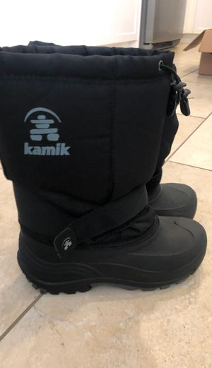 Snow Boots-Big kids size 4 for Sale in San Diego, CA
