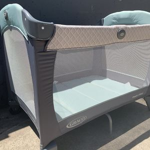 Graco pack n play with bassinet and changing table for Sale in La Mesa, CA