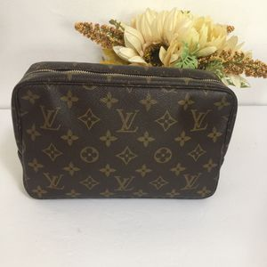 Louis Vuitton Trousse 23 for Sale in West Covina, CA