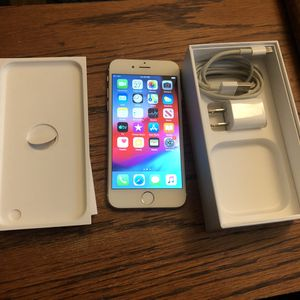 iPhone 6 16GB Carrier Unlocked iCloud Cleared Clean IMEI White/Gold for Sale in Fresno, CA