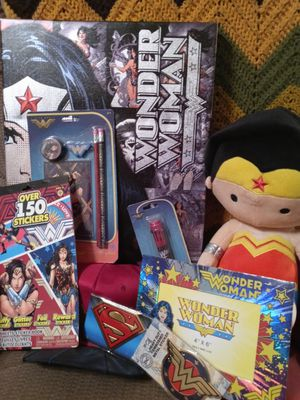 DC Comic wonder women collection. for Sale in Clearwater, FL