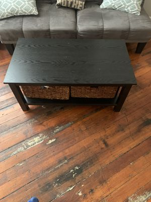 Coffee table with storage for Sale in Cincinnati, OH