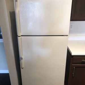 GE Refrigerator (New) for Sale in Houston, TX