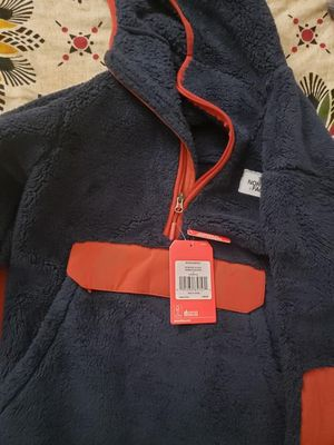 North face jacket size small for Sale in Irvine, CA