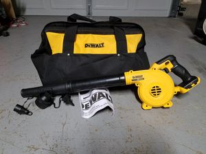 New dewalt 20v MAX leaf blower with large contractors case for Sale in Ashburn, VA