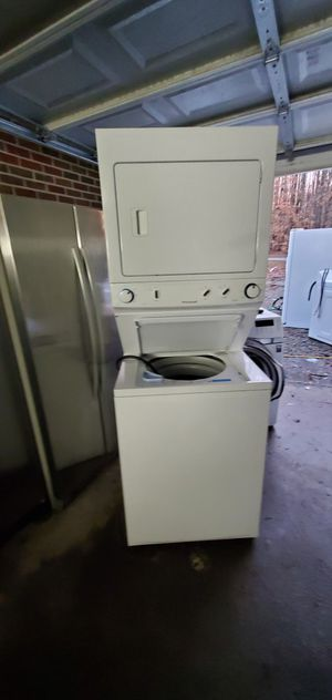 Frigidaire stackable full size stackabel for Sale in Cumberland, VA